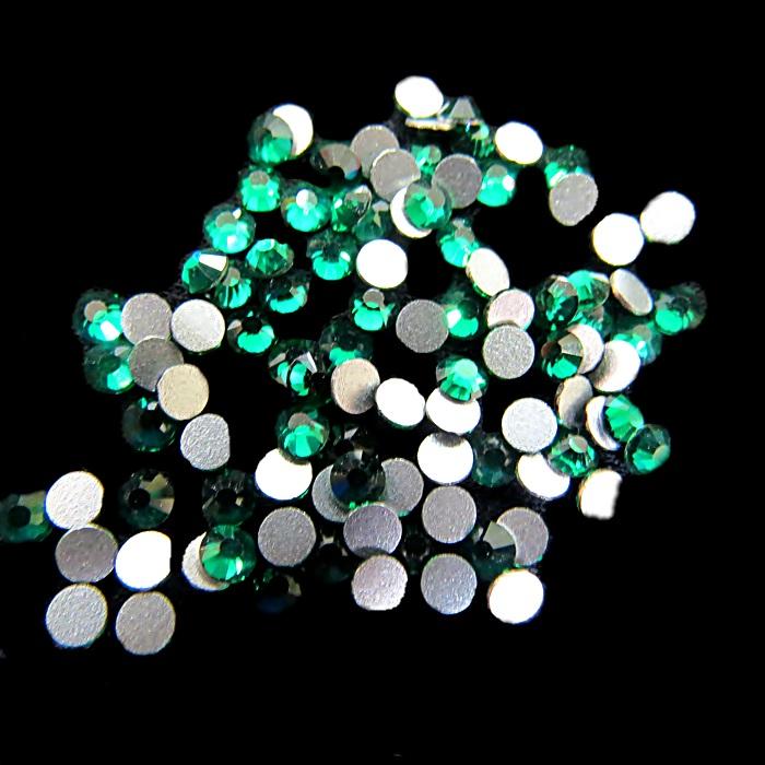 Chaton de cristal Esmerald SS12 (20 unidades)- CCH003